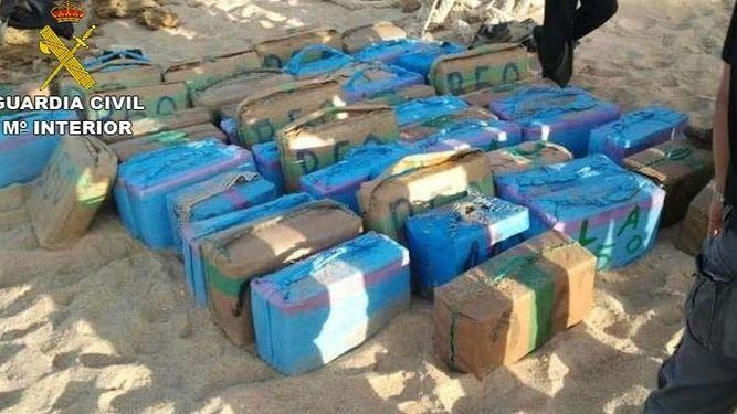 Más de 4 años de cárcel para tripulantes barco cargado con 2.700 kilos hachís