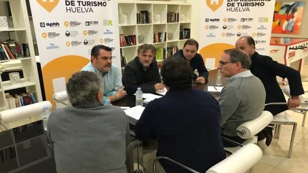 Apoyo del PSOE a los empresarios de establecimientos en las playas de Isla Cristina