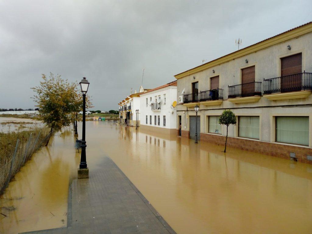 Las fuertes lluvias dejan daños en cultivos e inundaciones de viviendas y sótanos de garajes