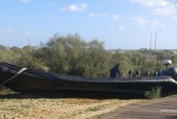 La Guardia Civil investiga el hallazgo de una narcolancha en la playa de La Gaviota