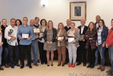 El Ayuntamiento de Isla Cristina homenajea a trabajadores por su jubilación