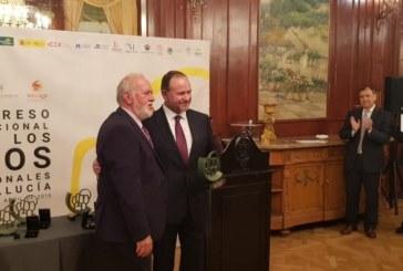 """Entrega de la distinción """"Capataz de Oro"""" a José Luis García Palacios a título póstumo"""