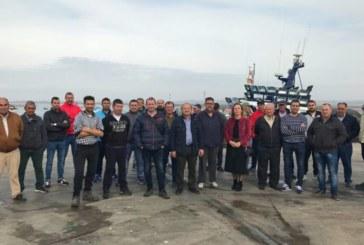 Isla Cristina «para» una hora en apoyo al sector del cerco, En las mañanas isleñas de Radio Isla Cristina