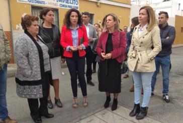 La alcaldesa de Isla Cristina recibe a la Consejera de Igualdad