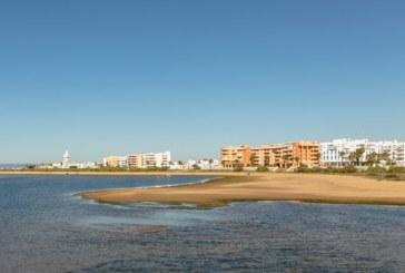 Las altas temperaturas adelantan el verano en Isla Cristina