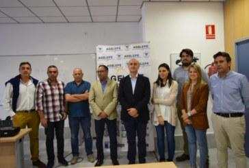 Juanma González presenta su proyecto para el municipio a representantes de Agelepe