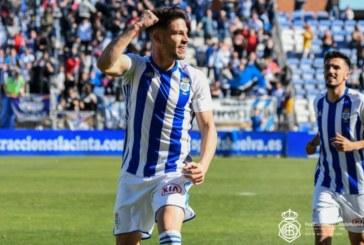 Almería y Cádiz quieren al delantero isleño Caye Quintana