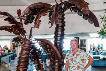 El escultor onubense Rafael Mélida inaugura el próximo lunes su exposición 'Savia metal' en el Algarve