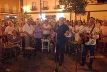 La Salve de Paco González rompe el silencio en la plazoleta