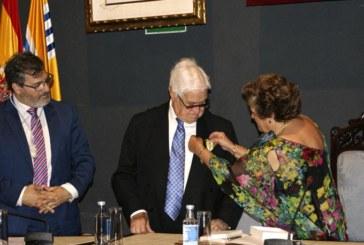 Fallece el conocido escultor isleño Carlos Silva