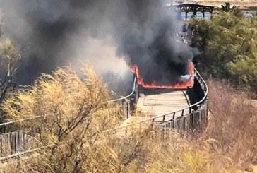 Incendio intencionado en el paseo litoral de Isla Cristina