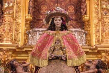 La Virgen del Rocío amanece vestida de Pastora para su Traslado 2019