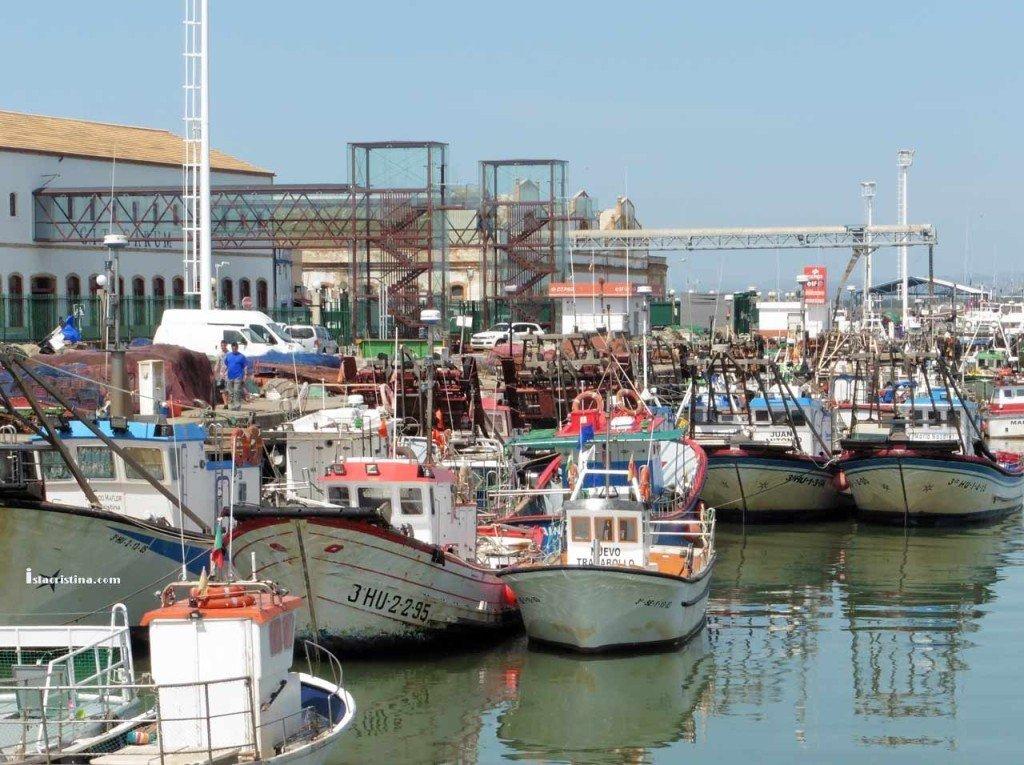 La Junta saca a concurso la concesión de suministro de combustible en el puerto de Isla Cristina
