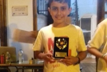 Kevin campeón sub 12 del Abierto Nocturno de Ajedrez 'Mancomunidad de Islantilla'