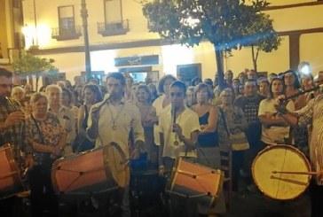 Tamborileros de María Auxiliadora, en la salve de la hermandad del Rocío de Isla Cristina