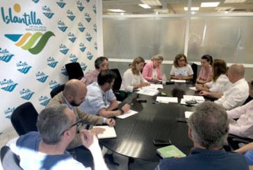 El comité de gestión de la playa de Islantilla expone sus propuestas para el plan de explotación de servicios de 2020