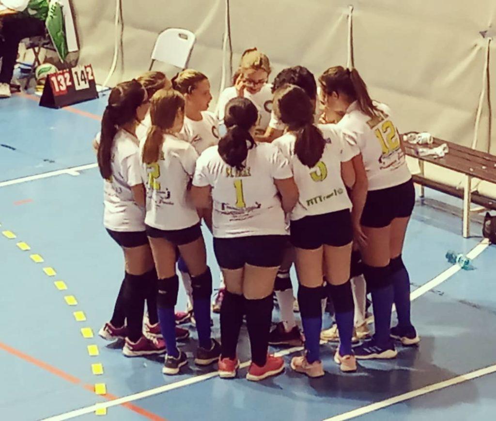 Debut con victoria del cadete del Club Voleibol Isla Cristina