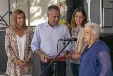 El ayuntamiento de Isla Cristina invita a merendar a los mayores de la localidad