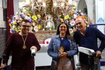 Paloma Rodríguez canta la Salve al Simpecado de Isla Cristina