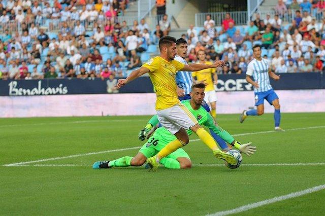 Un golazo del isleño Caye Quintana da la victoria al líder Cádiz