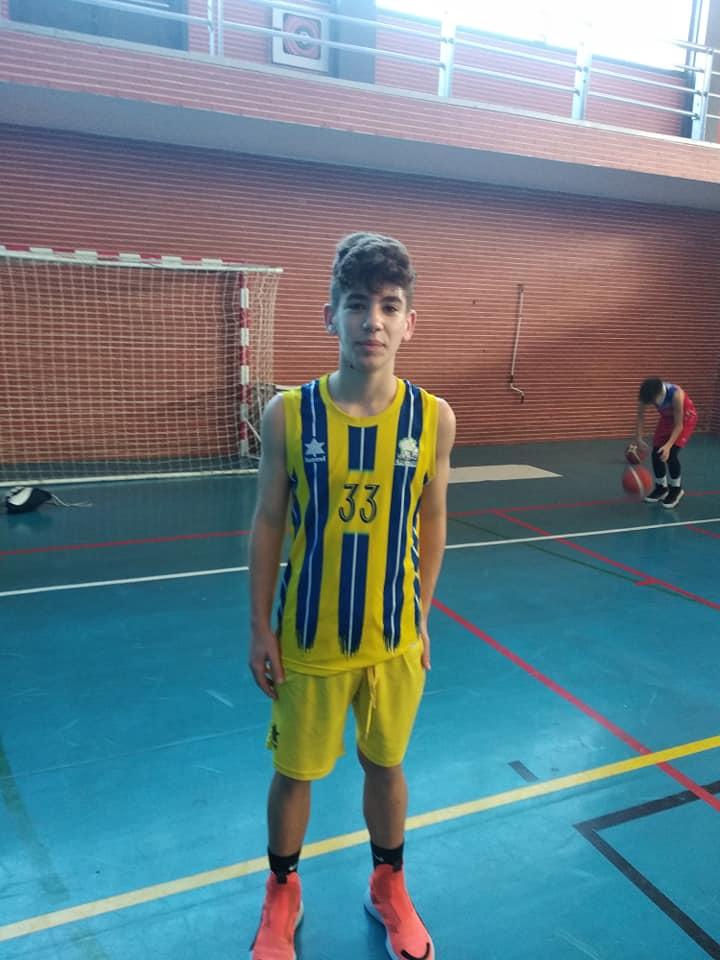 Jesús Silva protagonista de la victoria del CB Isla Cristina Infantil