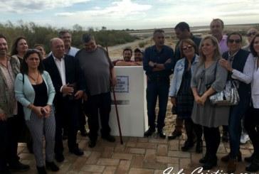 El Ayuntamiento dedica sendos monolitos a Manuel Gomez 'El Culón' y Eduardo Catalina