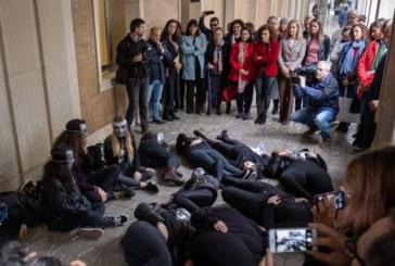 """Prioritarias e irrenunciables"""" las políticas de igualdad para """"atacar de raíz"""" la violencia de género"""