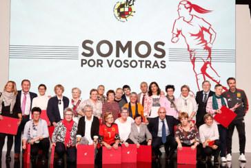 «Somos por vosotras», el homenaje de la RFEF a las pioneras del fútbol femenino