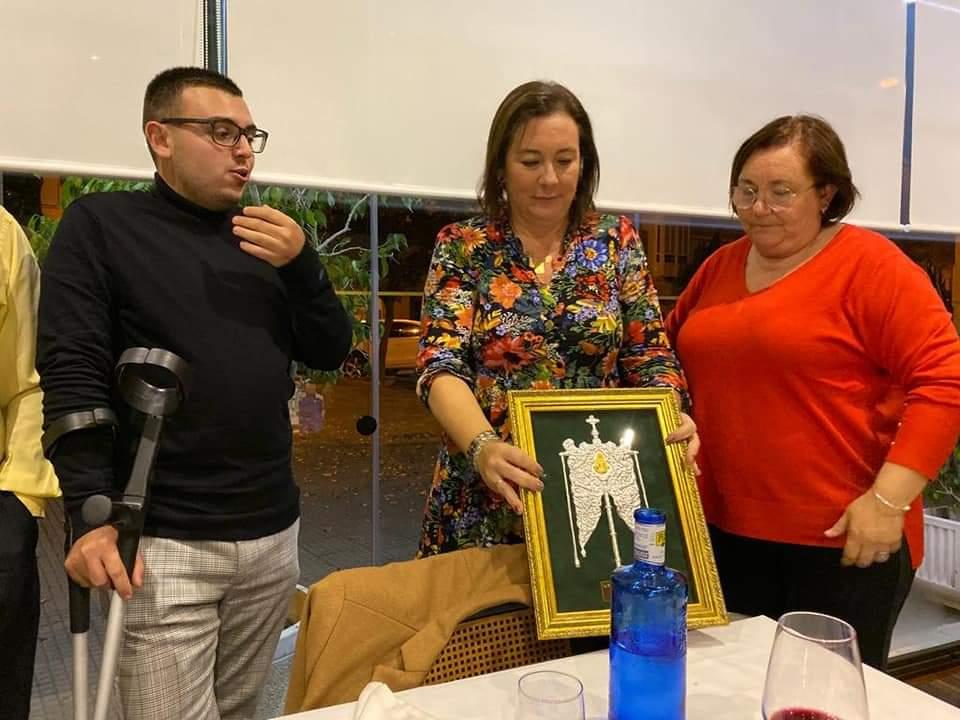 La Hermandad del Rocío de Isla Cristina homenajea a