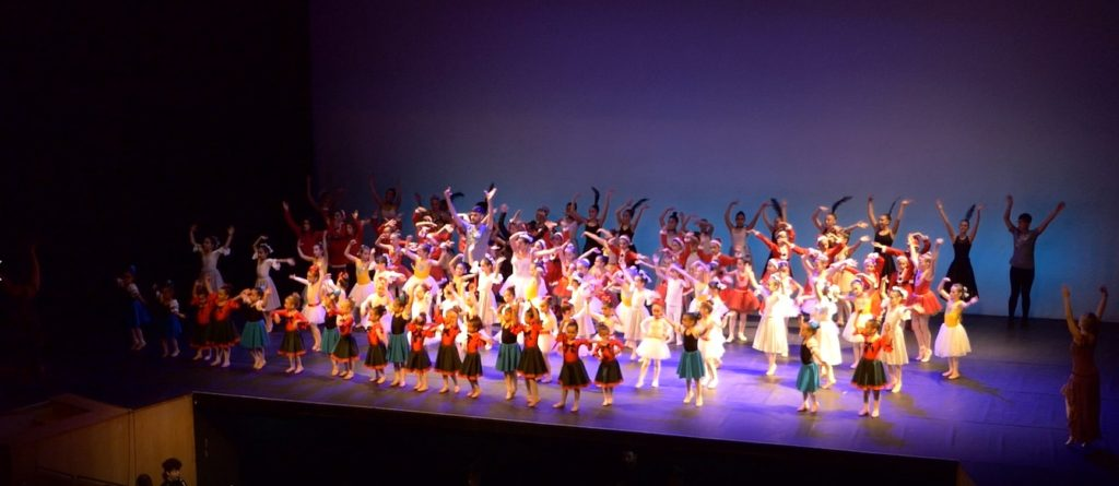 Espectáculo navideño de la Escuela de Danza de Isla Cristina