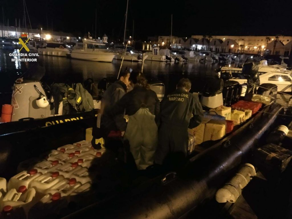Prisión para el piloto de la embarcación en la que se hallaron 123 fardos de hachís