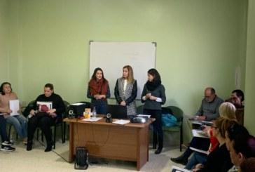 El Ayuntamiento pone en marcha una nueva edición del curso formativo 'En familia y en el mundo' destinado a madres y padres
