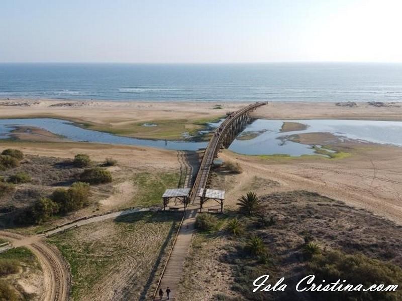 La Diputación invertirá 1,6 millones de euros en los municipios costeros para contribuir a sus planes de playas