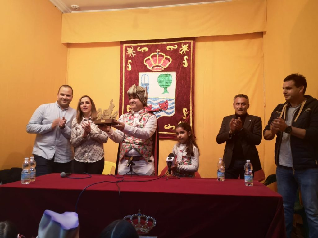 Las peñas y Asociaciones continúan dando premios de Carnaval en Isla Cristina