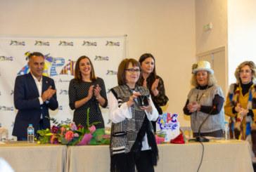 Toñi Álvarez recibe el máximo galardón d ela FIPAC, el premio Patitas