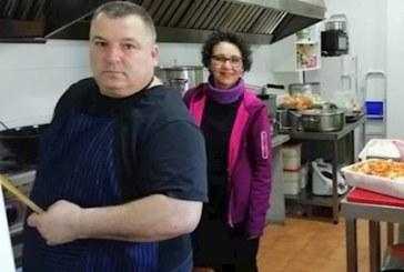 Una brasería de Isla Cristina elabora menús para repartirlos entre 40 familias sin recursos