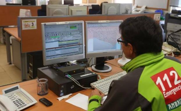 Isla Cristina: Trasladado al hospital de un trabajador al recibir una descarga eléctrica