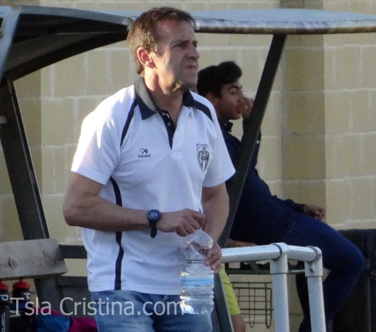 Manolo Revidiego sigue una temporada más como técnico del Punta del Caimán