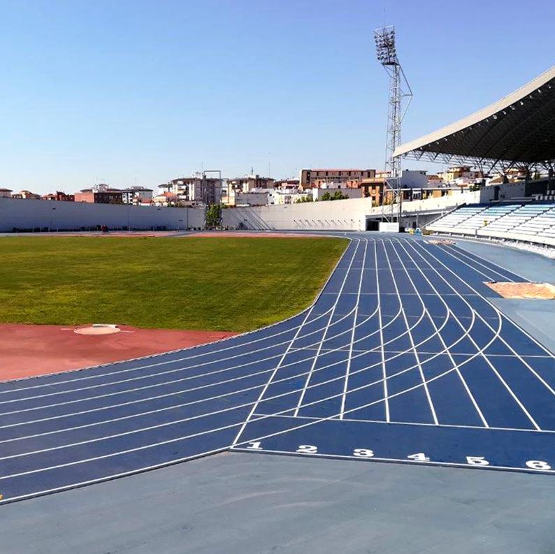 El Estadio Iberoamericano de Atletismo reabre para el entrenamiento de deportistas de élite y federados