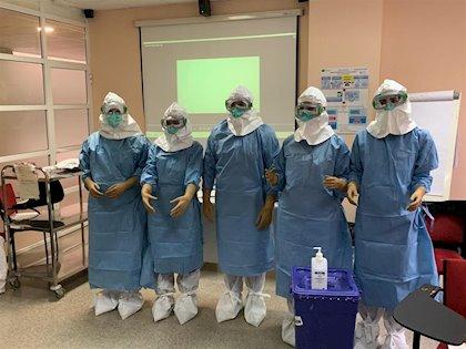Cerca de 1.900 profesionales del Juan Ramón Jiménez formados en prevención de riesgos en Covid-19