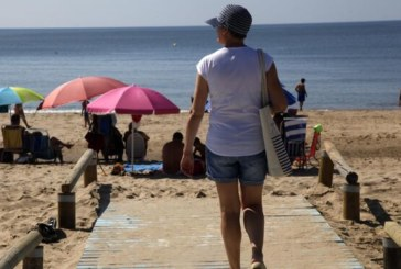 Municipios costa Huelva piden recursos y unificar criterios para abrir playas