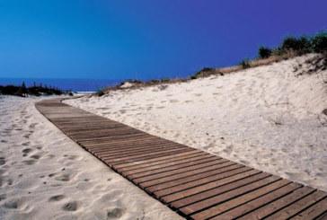 Coronavirus: lo que debe saber si va a la playa o a la piscina este verano