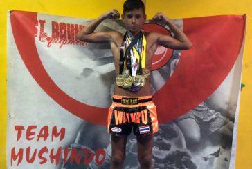 El luchador isleño Miguel Pérez, se prepara para el combate del año