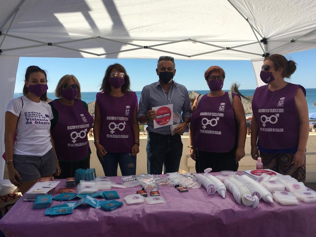 La Campaña contra la Violencia de Género llega a las playas isleñas