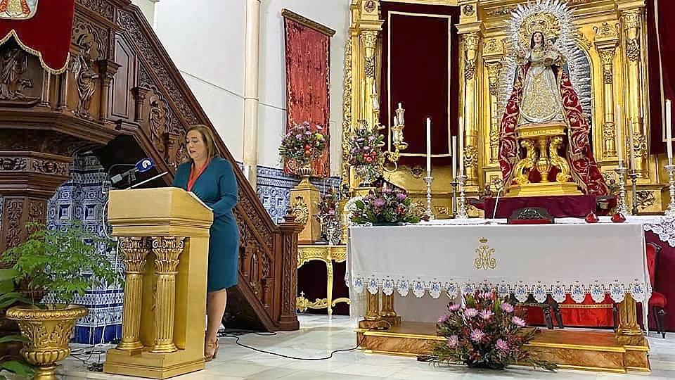Exaltación a la Virgen del Rosario en «las mañanas» de Radio Isla Cristina