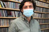 El escritor isleño Antonio Aguilera Nieves en los micrófonos de Radio Isla Cristina