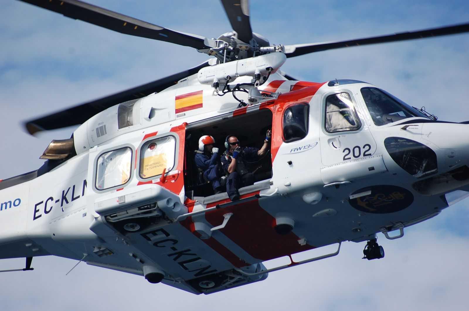 Continúa la búsqueda del varón de Isla Cristina desaparecido tras salir con un bote