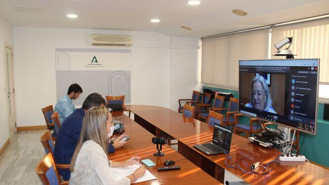 La Junta anuncia que realizará test a todos los trabajadores agrarios que se desplacen a Huelva