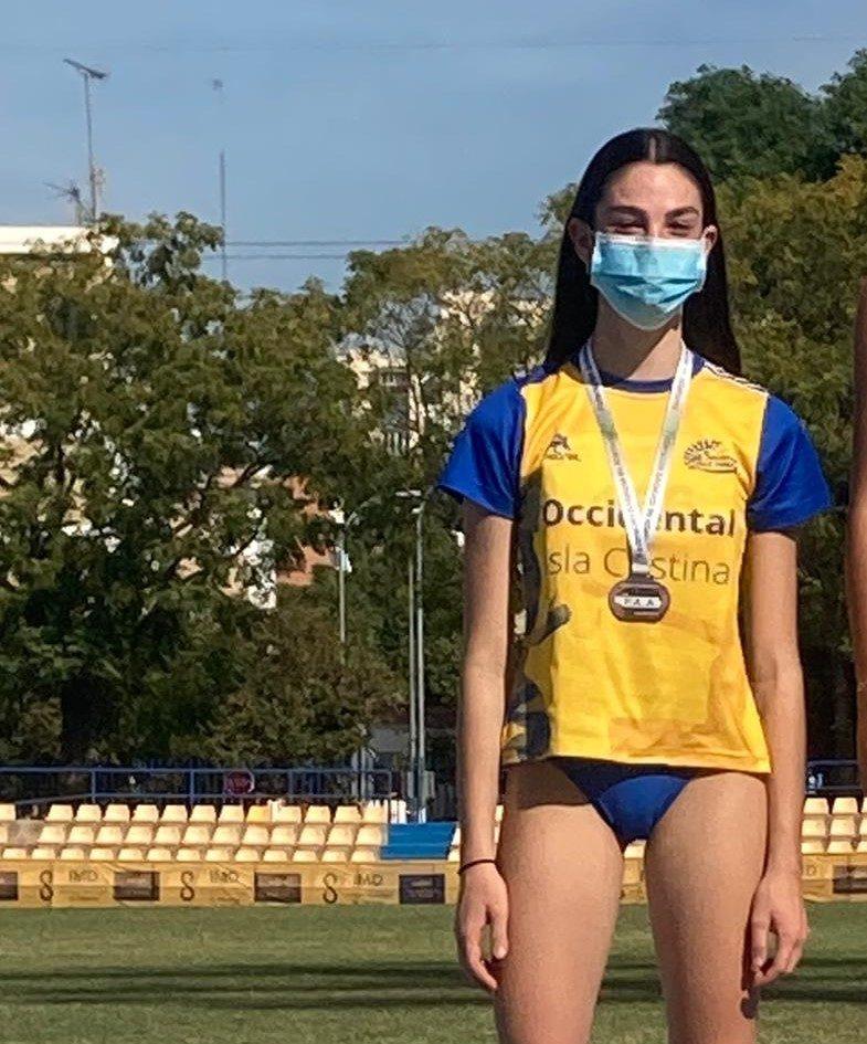Daniela Ruíz plata en el Campeonato de Andalucía de Atletismo Sub14