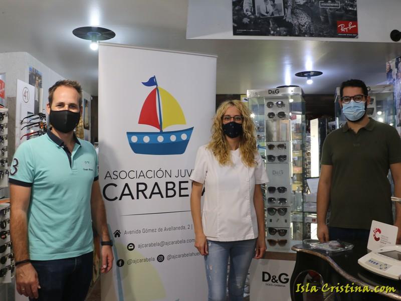 Gafas gratis para escolares con problemas económicos, gracias al acuerdo entre Óptica Puerto 31 y la Asociación Carabela